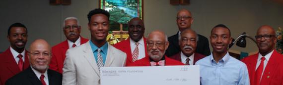 Roanoke Kappa Foundation Awards Two $1000 College Scholarships
